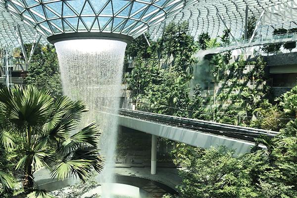 Инновационная архитектура и дизайн  Jewel Changi Airport