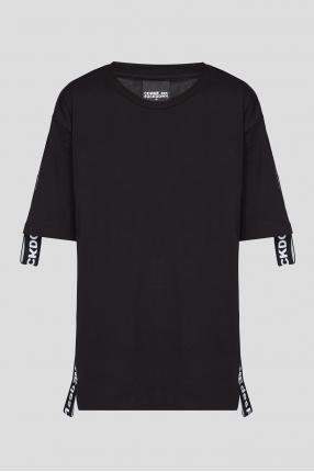 Жіноча чорна футболка