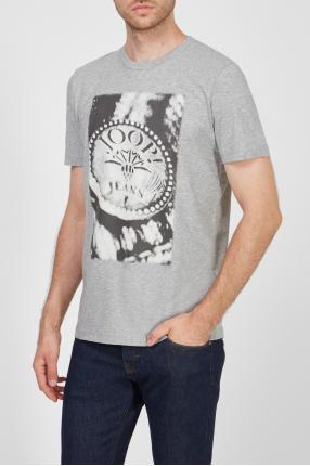 Мужская серая футболка с принтом 1