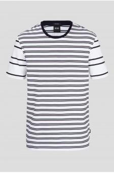 Мужская белая футболка в полоску