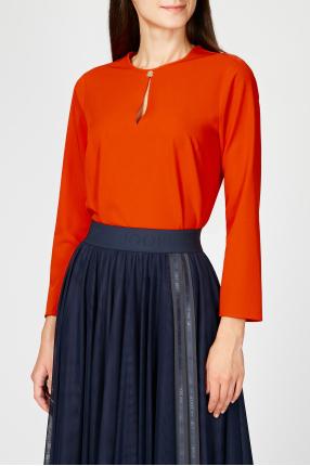 Женская красная блуза 1