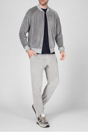 Мужской серый спортивный костюм 1